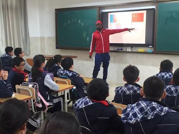 [上海v高中新闻网等]高中高校在基础教育作为?中语文课本沪上长篇小说的图片